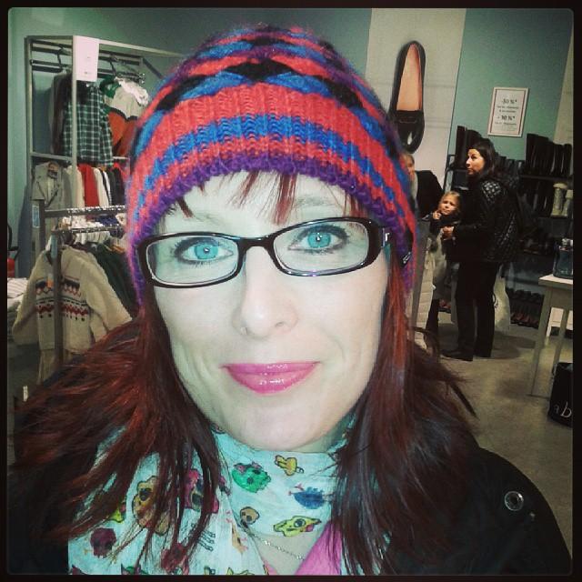 Portrait time^^ #bommel #beanie #monday #cold
